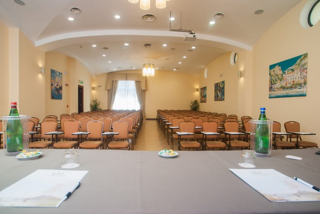 Offers Meeting Rooms in Naples Airport